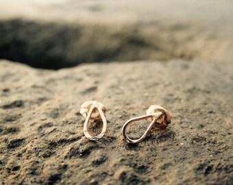 Dewdrop Stud Earrings
