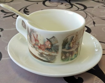 Beautiful Alice in Wonderland Cup Saucer Spoon Set Tea Coffee Present Gift