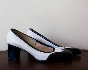 navy+white saddle shoe pumps- vintage!