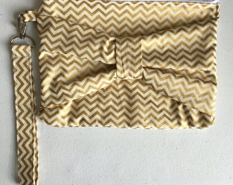 Gold chevron bow clutch