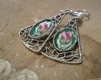 Silver Filigree Rosebud Vintage Handkerchief Dangle Earrings