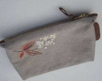 Linen pouch, hand embroidered, zip pouch, zipper pouch, cosmetic bag, natural linen with embroidered flowers, gray, white, brown, yellow