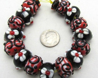 1 Strand Handmade Flower/Swirl Lampwork Beads in Black/Red/White (B35a5)