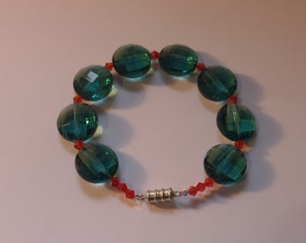 ocean's blue beaded bracelet with magnetic clasp