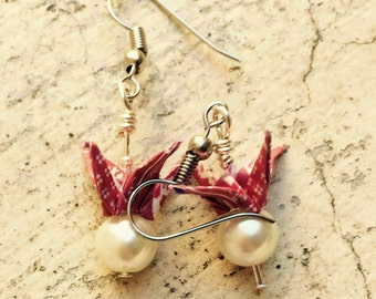 """Red and white """"Snow"""" origami birds on Pearly beads earrings"""