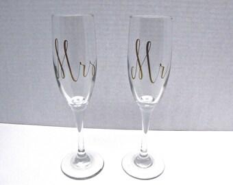 Wedding Toasting Glasses,Wedding Toasting Flutes, Mr. and Mrs. Toasting set, Toasting set, Champagne flutes, Bride and Groom Toasting