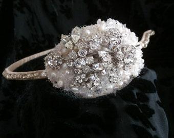 Vintage brooch side tiara, pearls, vintage lace