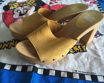 Yellow leather sandal clogs size 6 37 made in england