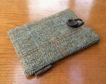 Harris Tweed Kindle paperwhite cover, kindle voyage, Fire 6 HD, Kobo, Nook cover case, green and cream herringbone