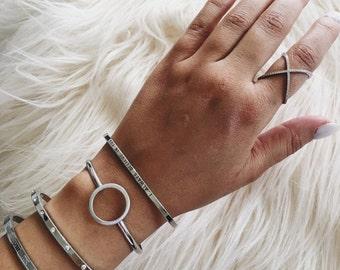 Circle bangle bracelet