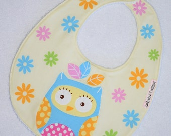 Baby Girl Bib, Girls Toddler Bib, Owl and Daisies Fabric, Baby Girl Gift, Baby Shower Gift, New Baby Gift for Girls