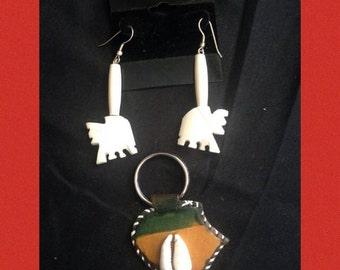 Elephant and Key Chain Set