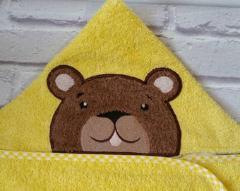 Bath towel. Hooded towel. Hooded bathrobe. Personalized and embroidered towel. Bear bath Cape