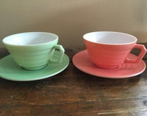 Vintage 1950s Hazel Atlas Tea/Coffee Set for 2 // Mint Green and Light Pink // His and Hers Coffee Cups and Saucers // Vintage Wedding Gift