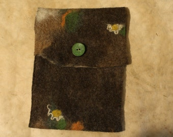 Hand-felted Tablethülle