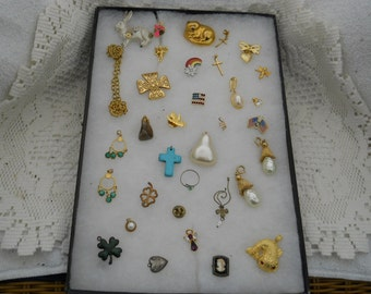 Vintage Jewelry Lot Misc. Pins Pendants And More #515