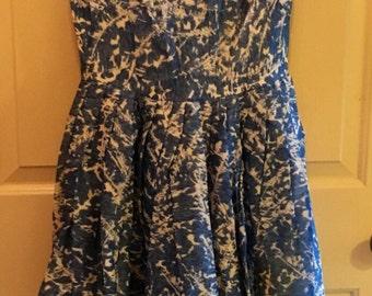 Vtg Matthews Blue White Dress w/bows