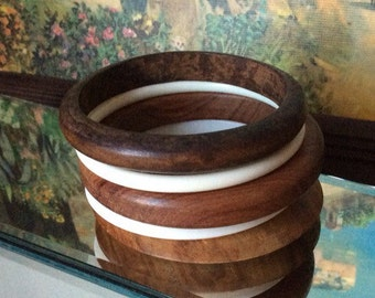 Set of vintage wooden and plastic bangles