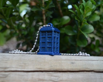 Dr Who Tardis Necklace Pendant - Police Box