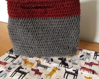 Dog bag/grey and red handle with fabric lining option