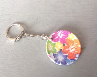 Stunning Keyring with a beautiful button