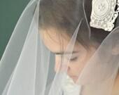 Ivory Lace Bridal Cap / Medallion Appliqué / Grace Kelly / Ivory Lace Cap / Ivory Cap / Pearl Bridal Cap / Lace Veil / Lace Headband