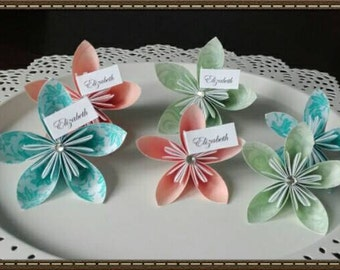 Alternative Paper Flower Name/Table Place Card