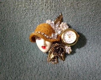 Working Vintage Benetto watch brooch