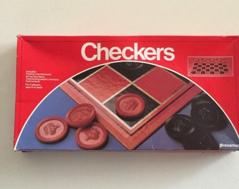 Vintage 1982 checkers game