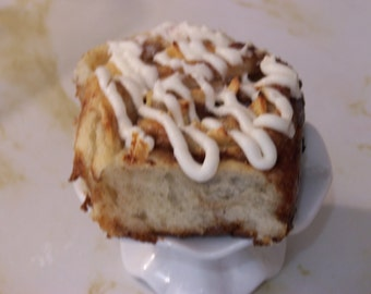 CINNAMON BUNS 1 Dozen homemade (23sweets) baked goods/homemade baking/sweets