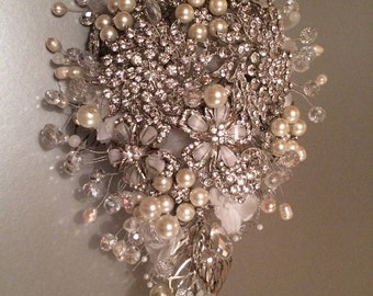 Hermione Crystal and Freshwater Pearl Brooch Bouquet