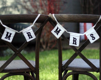 Mr and Mrs Retro Chair Signs