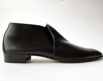 "Bally of Switzerland ""Rally"" Soft Black Leather Slip On Low Rise Boot - NEW"