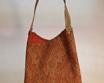 Large Bag With Coral Paisley Print Item #B60