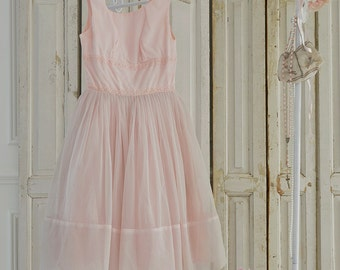 SALE Vintage 50s pale pink dress