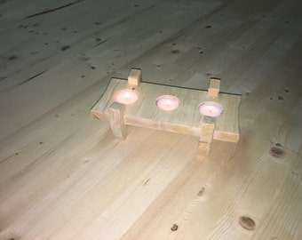 Table candle holder in wood