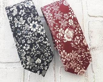 Mens Blue Floral Tie