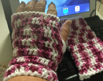 Pink & white fingerless mitts