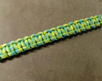 Homemade paracord survival bracelets
