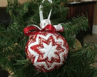 Red snowflake quilted ornament