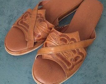 Gorgeous tan tooled leather mexican sandals