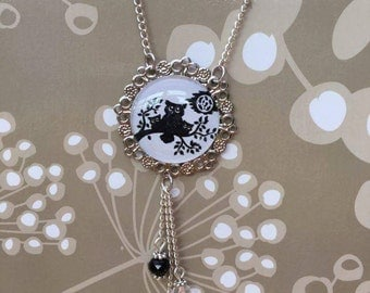 Black owl cabochon/magnifying glass necklace