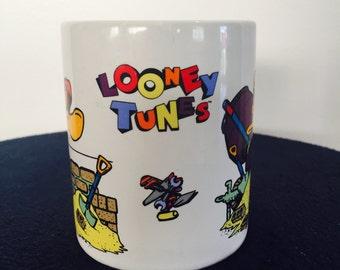 Retro Disney looney tunes Daffy Duck coffee mug cup