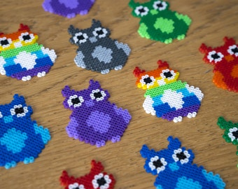 Mini Owl Perler Hama Bead 8 Bit pixel Art Charm Bird Gift - RED
