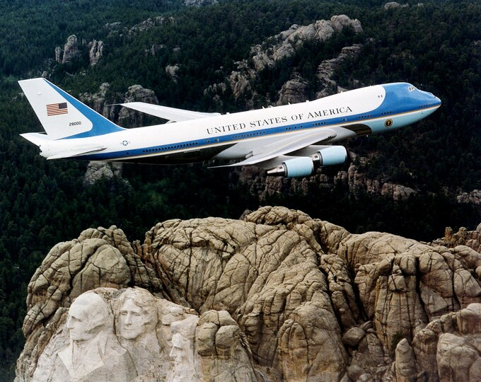 Air Force One Flies Over the Mount Rushmore Monument - 8X10 or 11X14 Photo (EP-513)