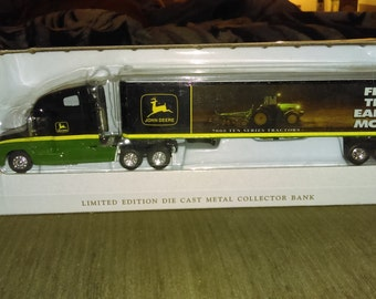 John Deere 700 series truck hauler