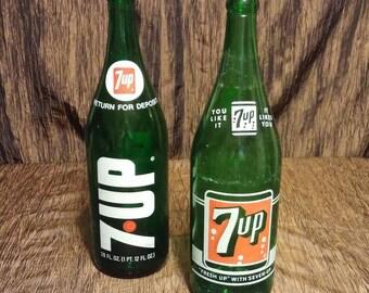 Free shipping, set of 2 vintage 7 up bottles