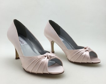 Light Pink Bridal Shoes with Knot Deco, Bridesmaids Shoes, Bridal Shoes, Wedding Shoes Light Pink
