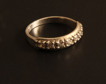 Goldfilled ring with crystals