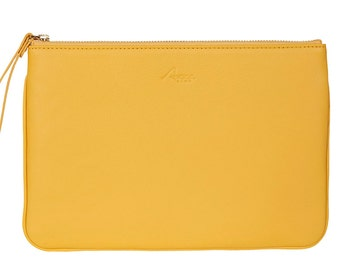 Classic Clutch in yellow leather